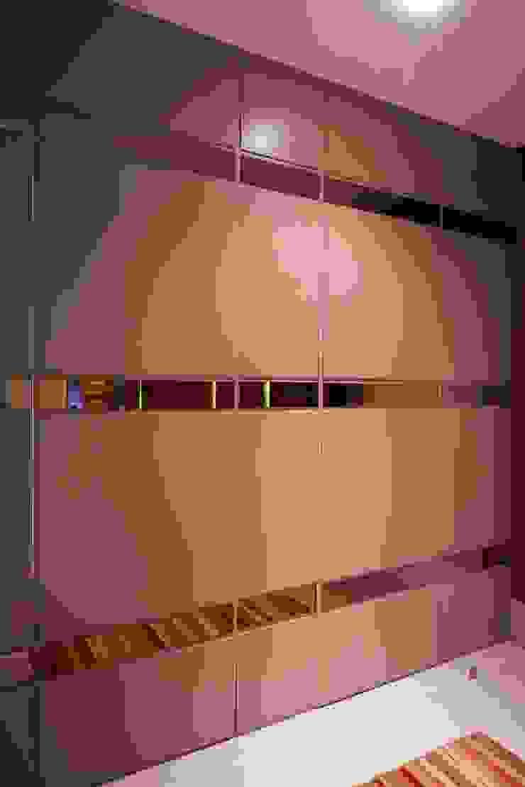 studio vert arquitetura Modern style bathrooms