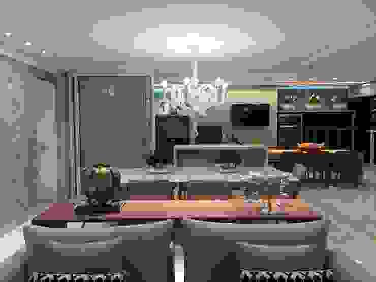 Renata Pargendler Raichel Dining roomAccessories & decoration Wood Multicolored