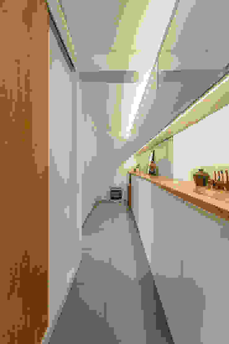 구기동 다세대주택 리모델링 모던스타일 드레싱 룸 by 서가 건축사사무소 모던