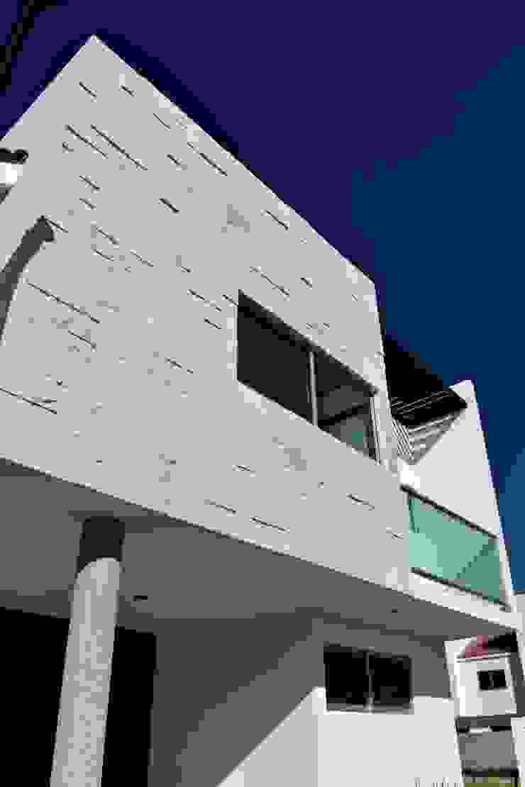 Moderne Häuser von CONSTRUCTORA ARQOCE Modern