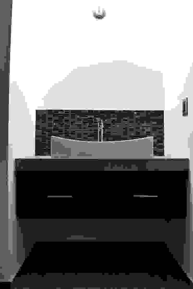 Moderne Badezimmer von CONSTRUCTORA ARQOCE Modern