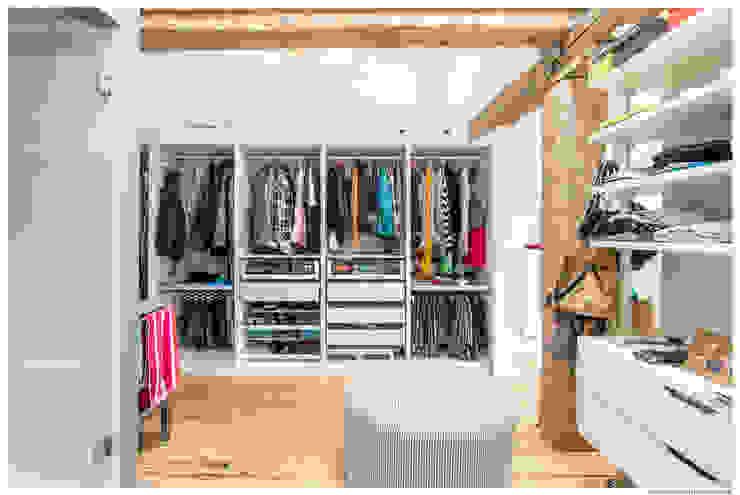 Closets de estilo rústico de TALLER VERTICAL Arquitectura + Interiorismo Rústico