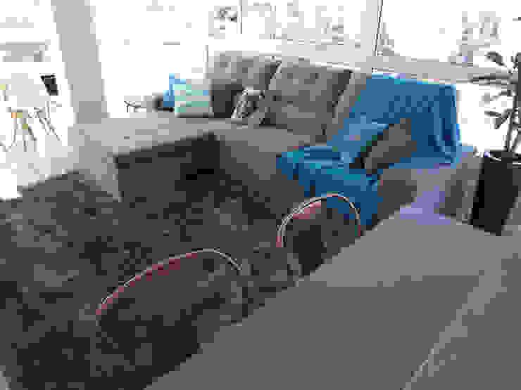Apartamento da Ladeira: Salas de estar  por COB Arquitetura e Design