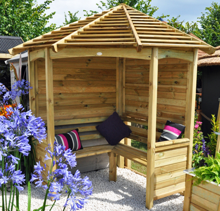 The arbour featured in the Hampton Court Flower Show Wonkee Donkee Forest Garden GartenLauben und Gewächshäuser Holz
