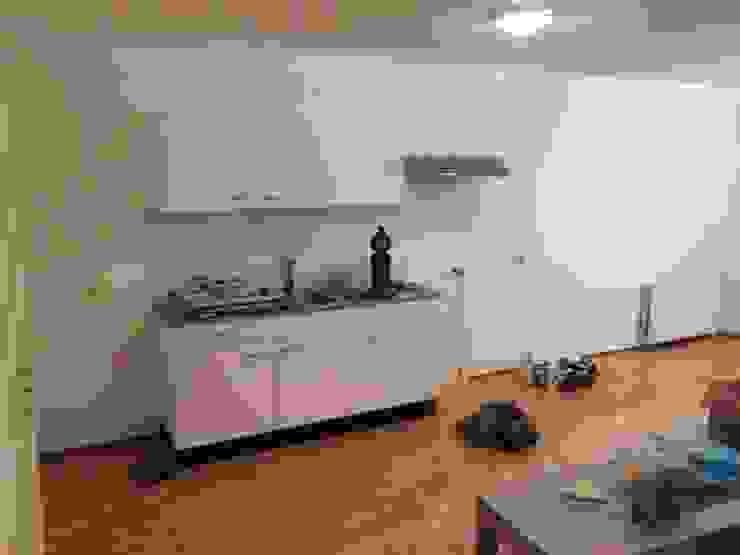 the kitchen Minimalistische keukens van Miranda Home Staging and Photography Minimalistisch