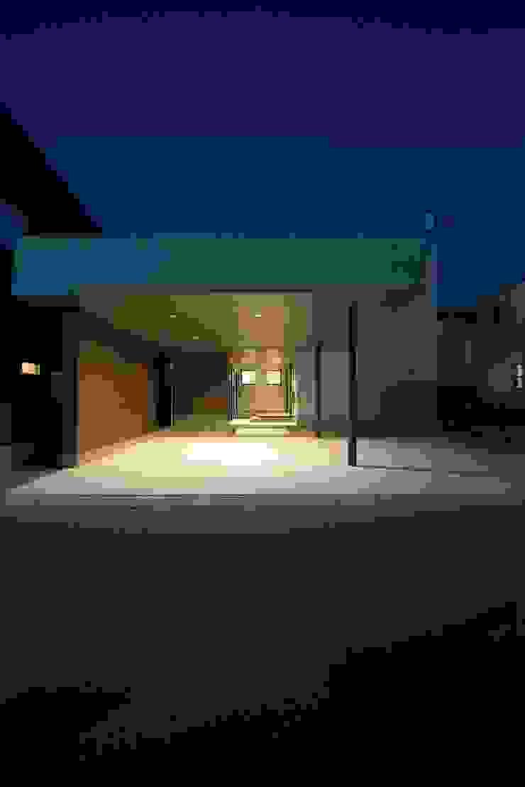 TKD-ARCHITECT 現代房屋設計點子、靈感 & 圖片 White
