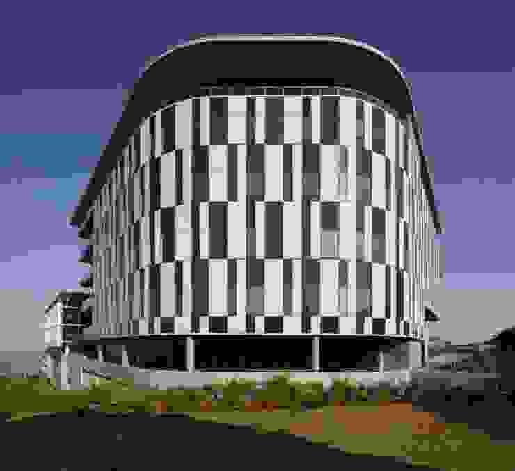 Rewardsco Head Office by Elphick Proome Architects Modern