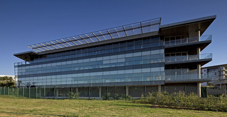 Investec Regional Head Office by Elphick Proome Architects Modern
