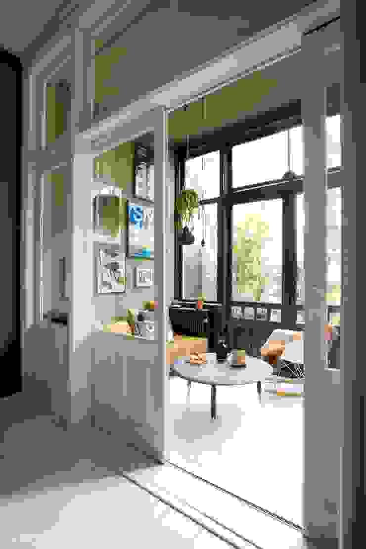 Giardino d'inverno eclettico di FORM MAKERS interior - concept - design Eclettico Calcare