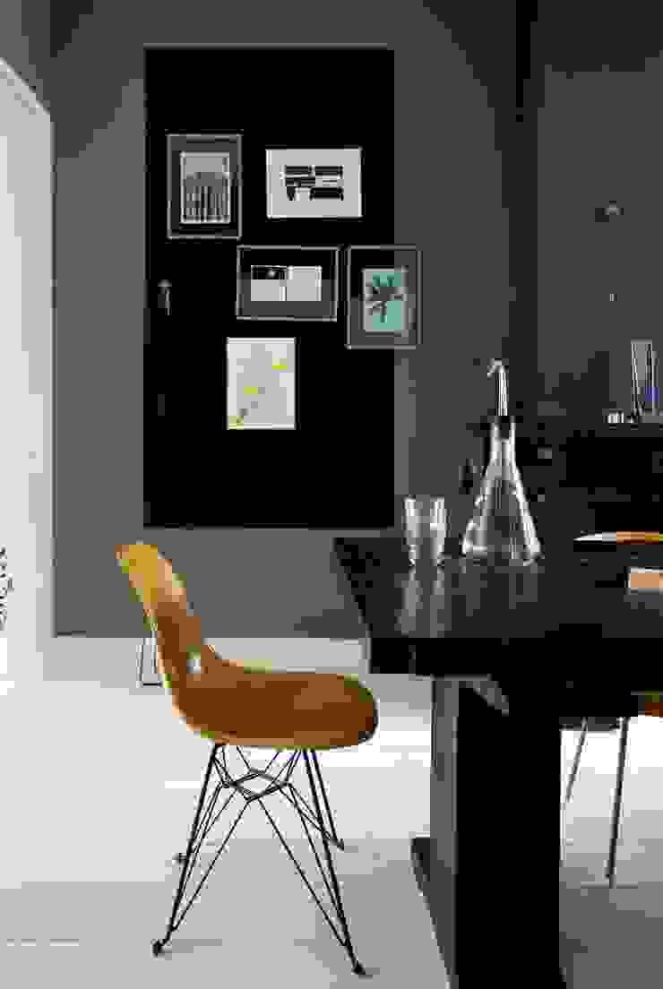 Sala da pranzo eclettica di FORM MAKERS interior - concept - design Eclettico Pietra