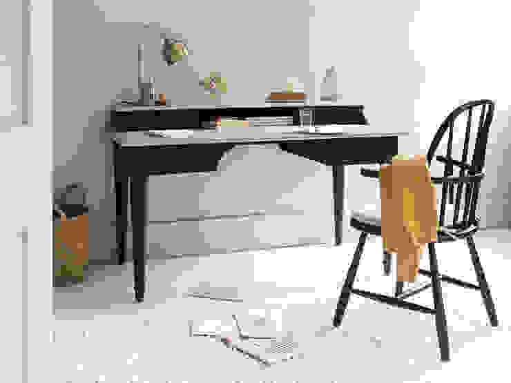 Blotter desk Phòng học/văn phòng phong cách hiện đại bởi Loaf Hiện đại