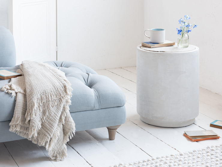 Hidey Ho side table Salon moderne par Loaf Moderne