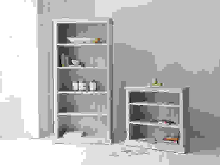 High Stash and Low Stash bookshelves Chambre moderne par Loaf Moderne