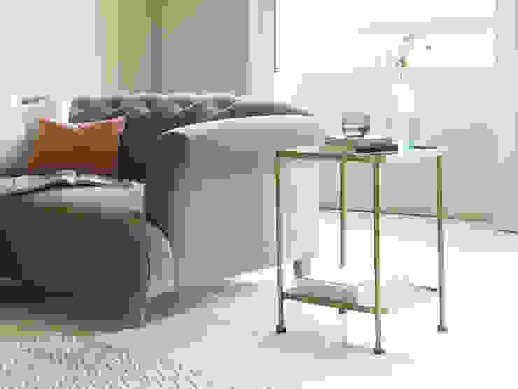 Wonder-Brass side table Salon moderne par Loaf Moderne