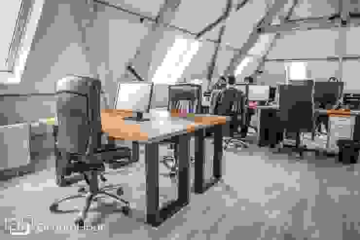 Bureaus Moderne kantoor- & winkelruimten van DroomHout Modern Hout Hout