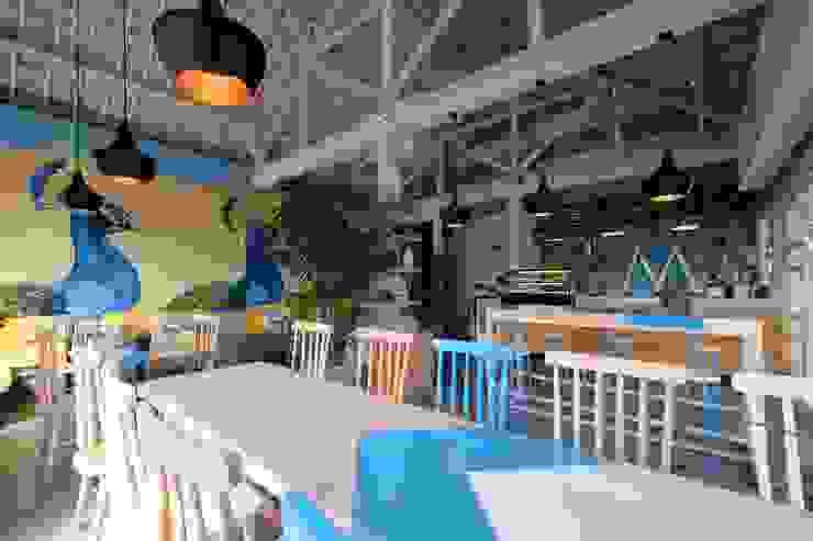 Manon Design Studio Gastronomía de estilo tropical