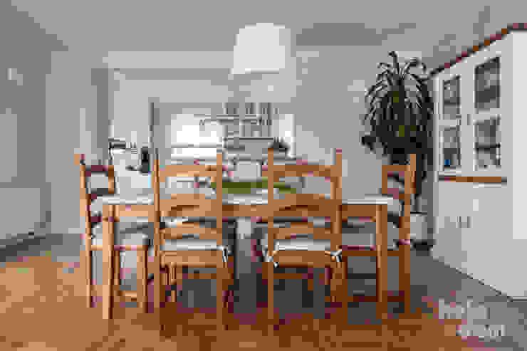 HOLADOM Ewa Korolczuk Studio Architektury i Wnętrz Scandinavian style dining room Wood White