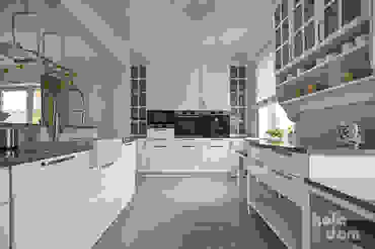 HOLADOM Ewa Korolczuk Studio Architektury i Wnętrz Kitchen White
