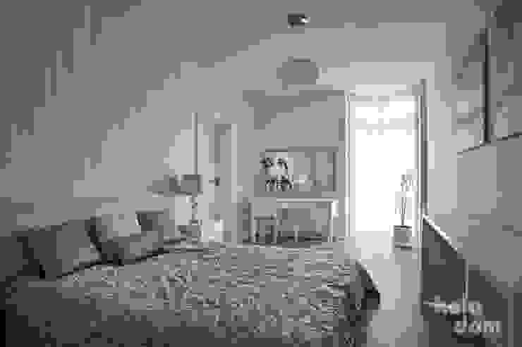 HOLADOM Ewa Korolczuk Studio Architektury i Wnętrz Scandinavian style bedroom White