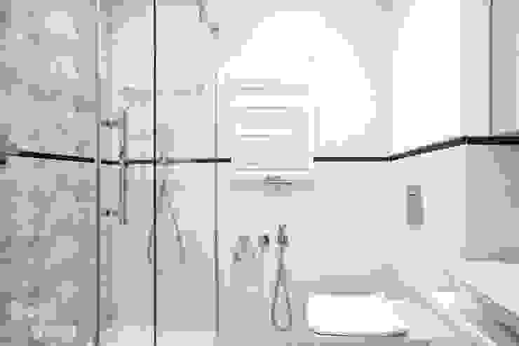 HOLADOM Ewa Korolczuk Studio Architektury i Wnętrz Scandinavian style bathroom