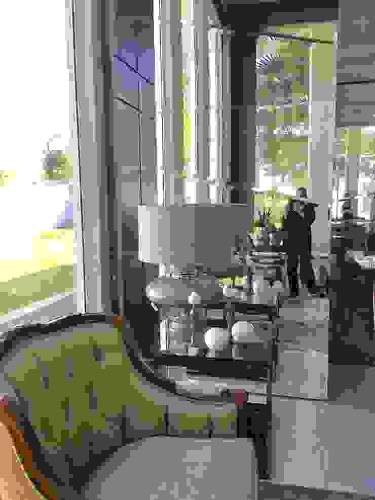 Detalhe sala de Estar Salas de estar clássicas por Penha Alba Arquitetura e Interiores Clássico