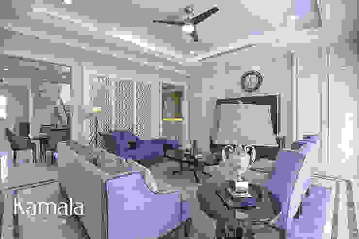 Salas de estilo clásico de Kamala Interior Clásico