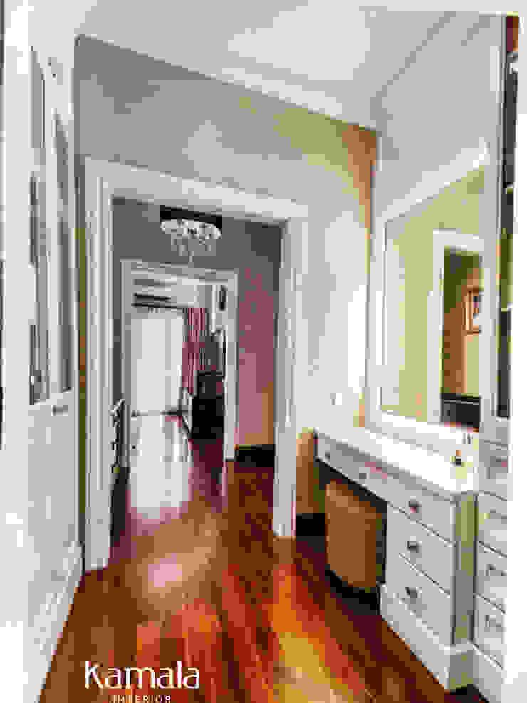 American Classic home Ruang Ganti Klasik Oleh Kamala Interior Klasik