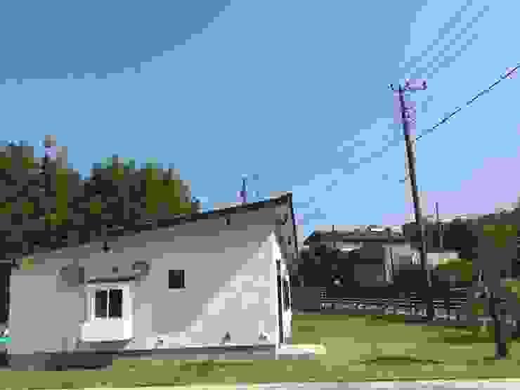 外観 ラスティックな 家 の tai_tai STUDIO ラスティック