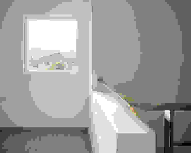 บ้านพักพระคาทอลิค จอมทอง เชียงใหม่ โดย Needs Natural Studio มินิมัล