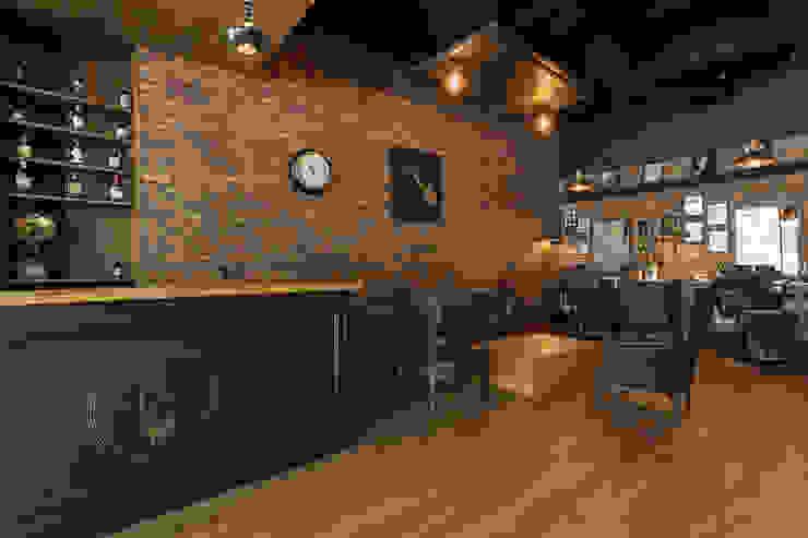 Counter - Sala Galerías y espacios comerciales de estilo rústico de Adrede Diseño Rústico Madera Acabado en madera