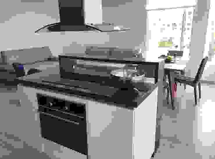 Modern style kitchen by MBdesign Modern Wood Wood effect