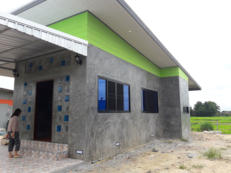 Paredes de estilo  por ช่างณีมิตรรับซ่อมบ้านออกแบบต่อเติมรับเหมาก่อสร้าง, Moderno Concreto