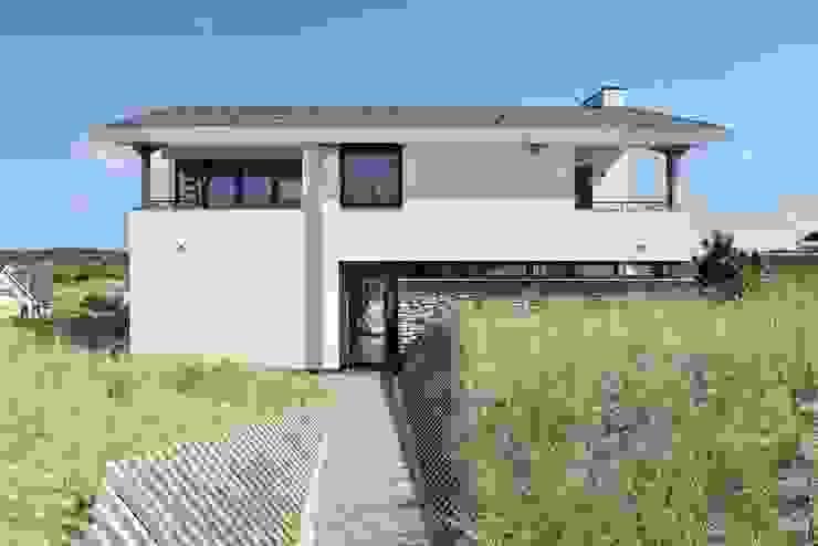 Luxe villa in de duinen Mediterrane huizen van BNLA architecten Mediterraan