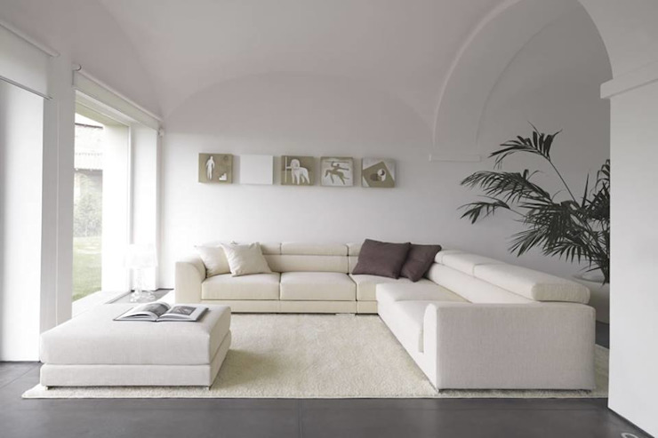 The Minimalist's Living Room: minimalist  by Spacio Collections,Minimalist Textile Amber/Gold
