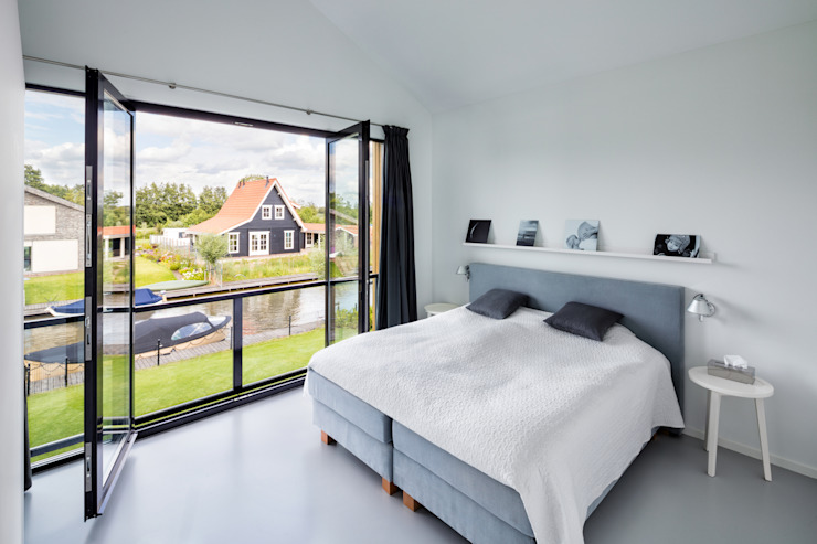 Modern style bedroom by BNLA architecten Modern