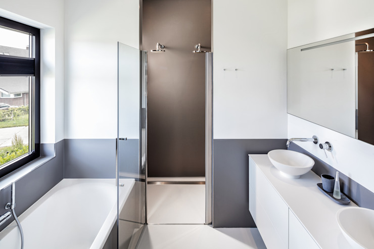 Modern Bathroom by BNLA architecten Modern
