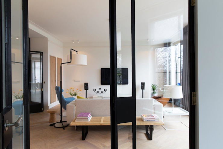Verbouwing monumentaal stadsappartement Amsterdam Moderne woonkamers van BNLA architecten Modern