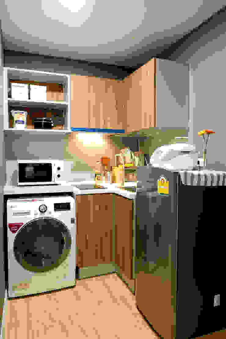 สไตล์มินิมอลโมเดิร์น: ที่เรียบง่าย  โดย Knock door interior design & decoration, มินิมัล