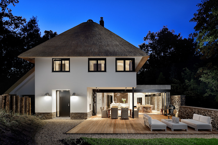 Modern houses by BNLA architecten Modern