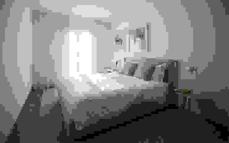Modern Bedroom by Tralhão Design Center Modern