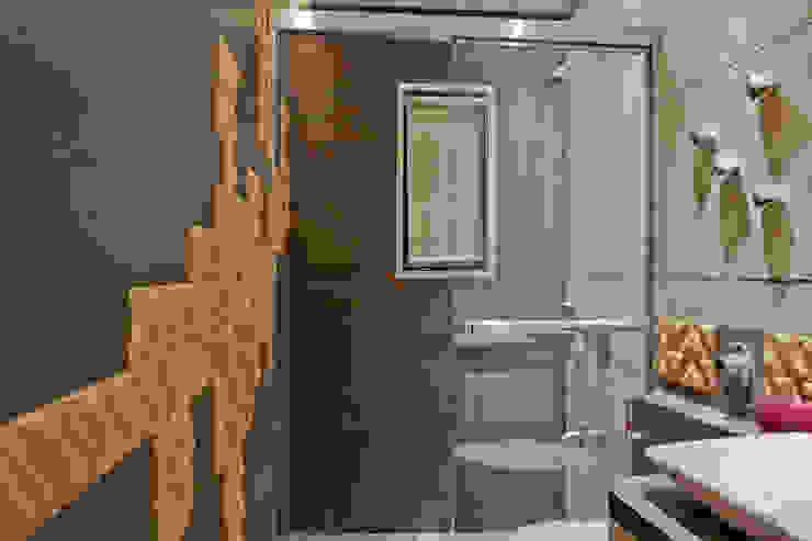 scrabble bathroom Modern bathroom by UNLOCK ©™ Modern Ceramic