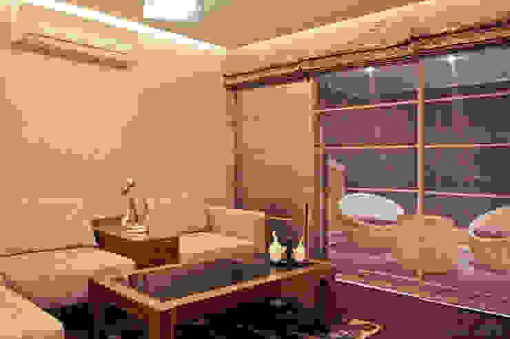 master bedroom lounge Modern balcony, veranda & terrace by UNLOCK ©™ Modern Solid Wood Multicolored