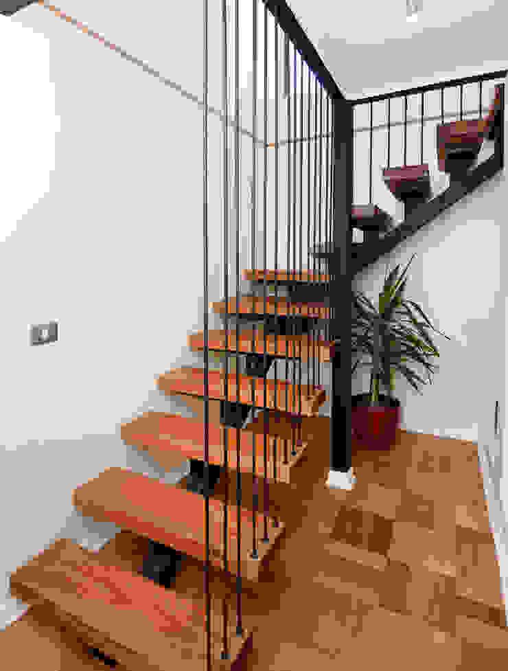 Remodelación Casa Soler Pasillos, vestíbulos y escaleras modernos de ARCOP Arquitectura & Construcción Moderno