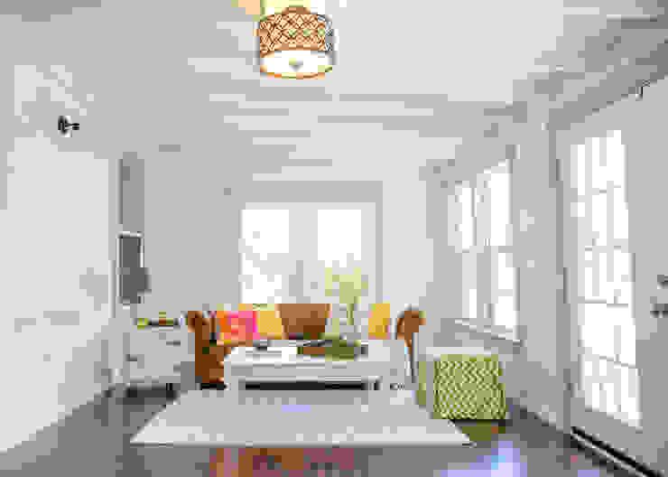 Noelia Ünik Designs Ruang Keluarga Gaya Mediteran