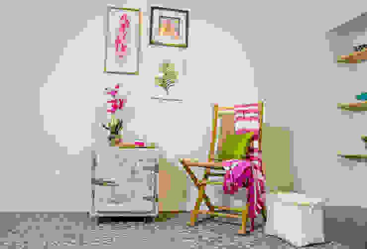 Unik Flip House 2 Williamsburg San Antonio Tx Living Room 2 by Noelia Ünik Designs Mediterranean