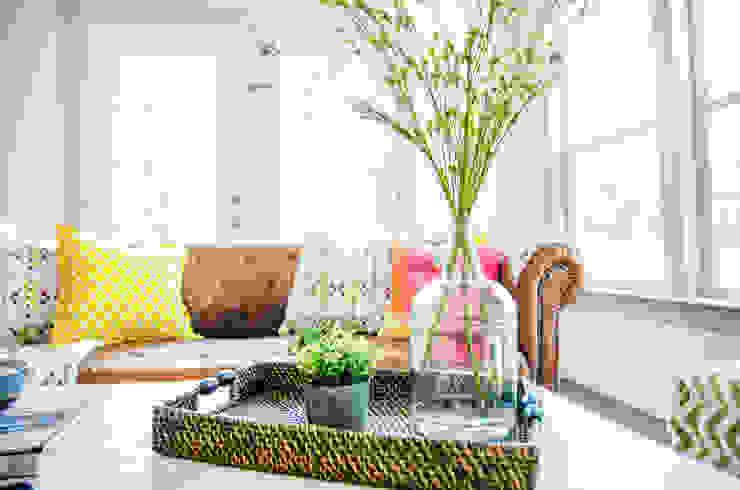 Unik Flip House 2 Williamsburg San Antonio Tx Living Room by Noelia Ünik Designs Mediterranean
