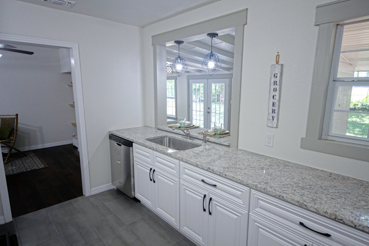 Unik Flip House 2 Williamsburg San Antonio Tx Kitchen by Noelia Ünik Designs Mediterranean