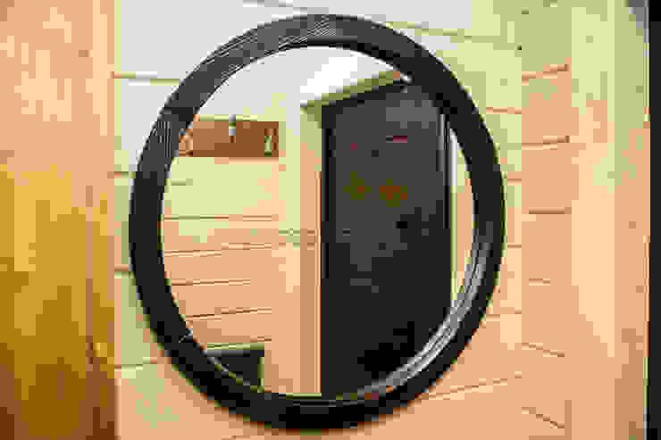 Зеркало в деревянной раме от Творческая мастерская АRTBOOS Эклектичный