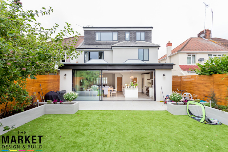 STUNNING NORTH LONDON HOME EXTENSION AND LOFT CONVERSION:  Houses by The Market Design & Build,