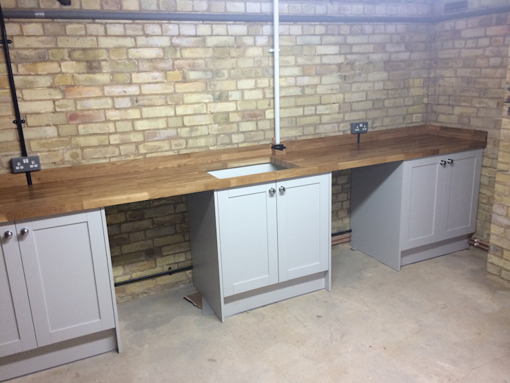 Utility Industrial style kitchen by R&H Carpentry & Multitrade Services Industrial